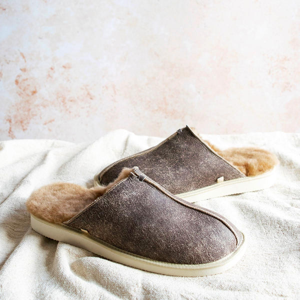 NEW Machar Sheepskin Slippers - Nutmeg Distressed Leather