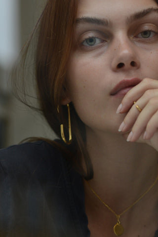 VERTICAL EARRING - HIGH POLISHED GOLD