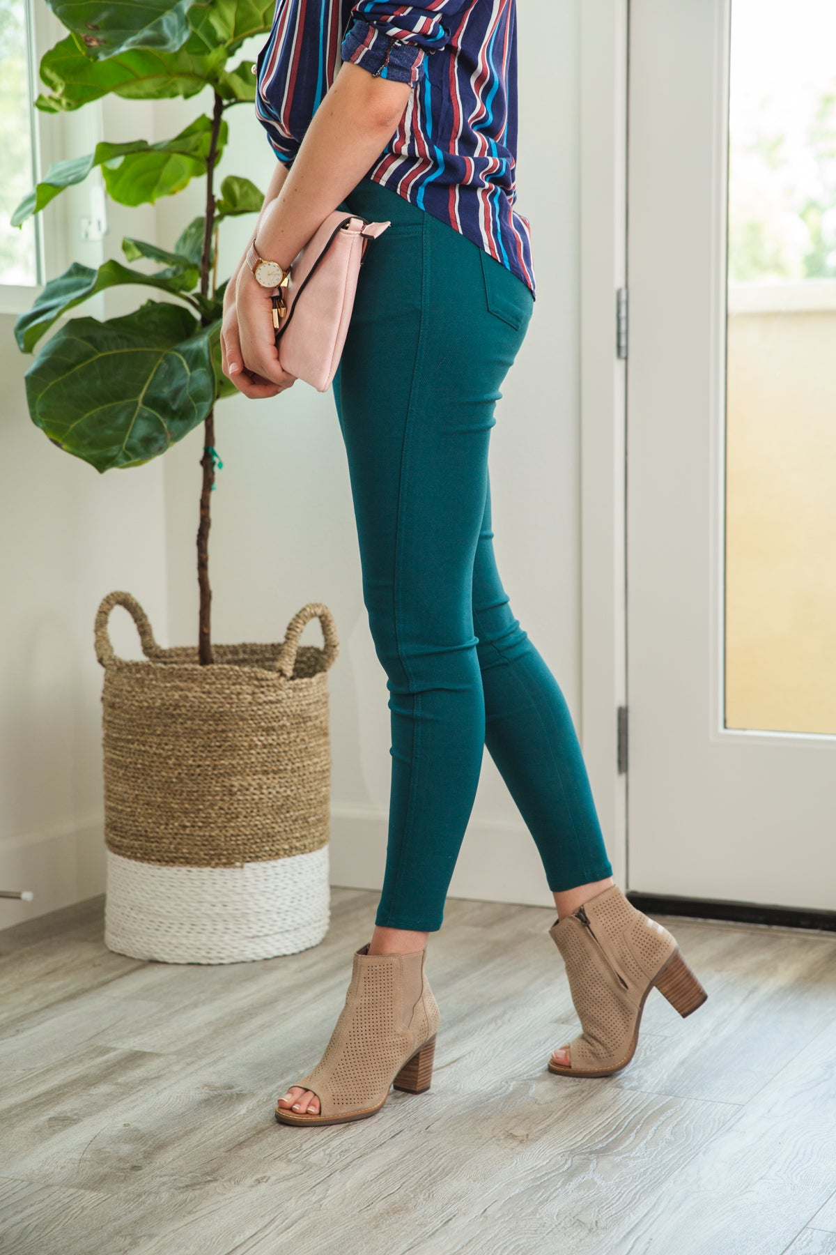 LARA: Solid Style Jeggings in Spruce