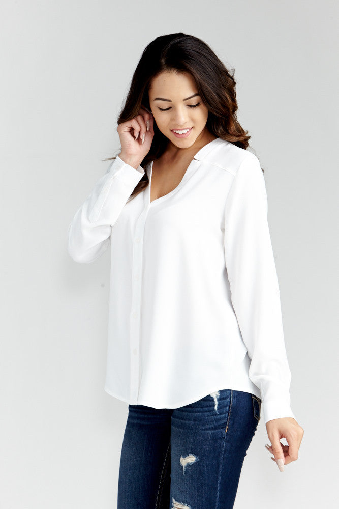 DAZZ: Modern Artist V-Neck Blouse in White - Good Row Clothing  - 2