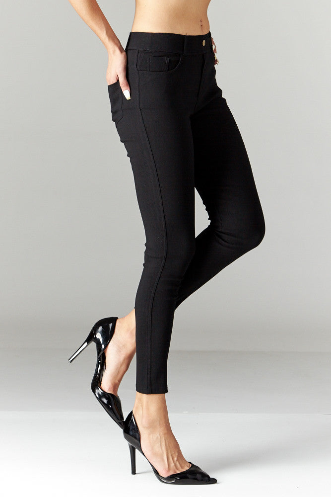 LARA: Solid Style Jeggings in Black - Good Row Clothing  - 4