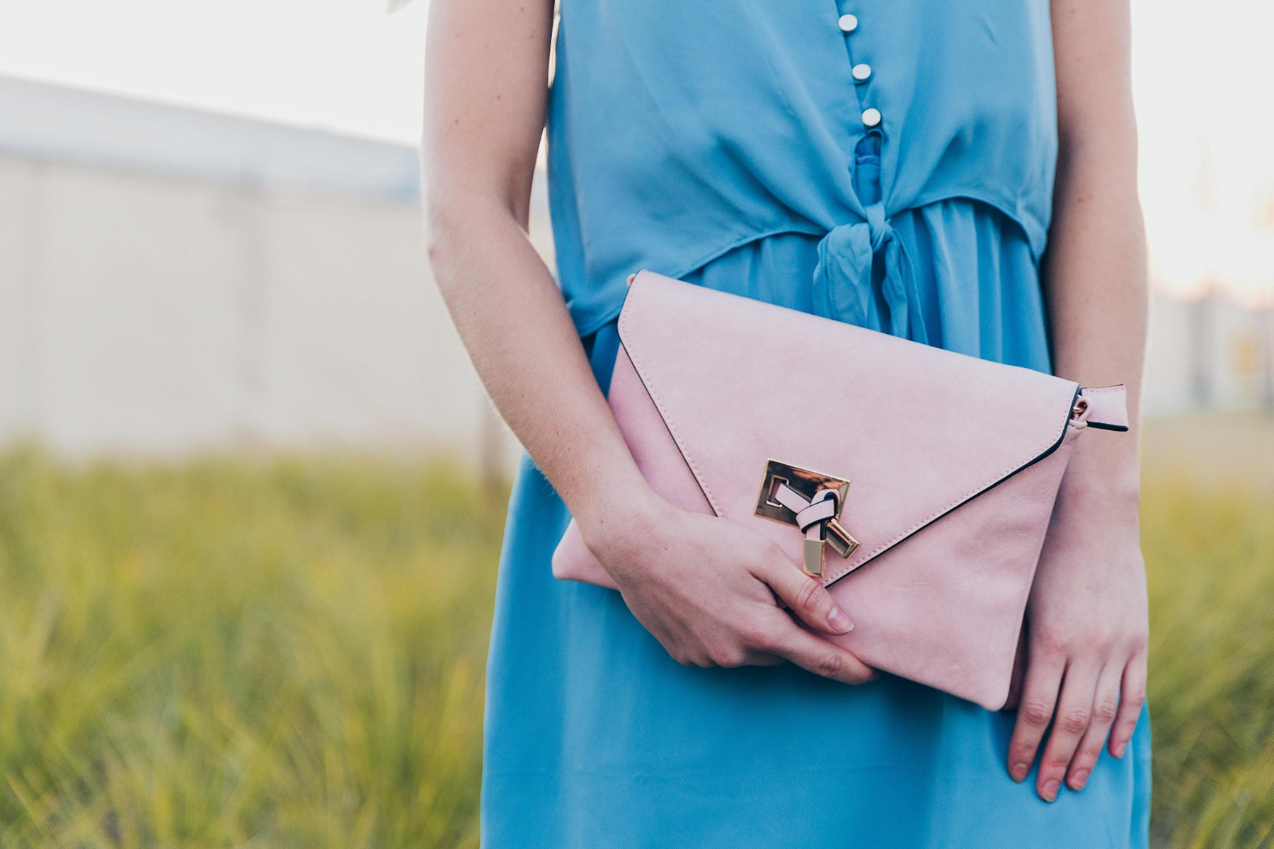 Take Anywhere Envelope Clutch in Light Pink
