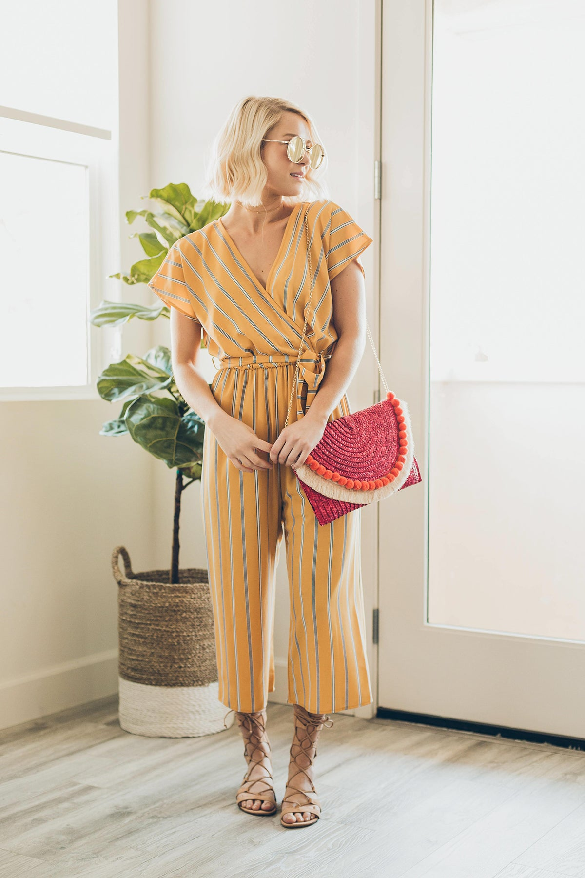 Got to Love Straw Bag in Fuschia