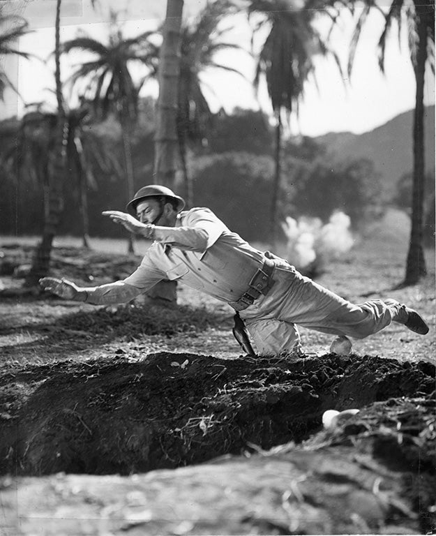 Movie still of John Wayne in Back to Bataan