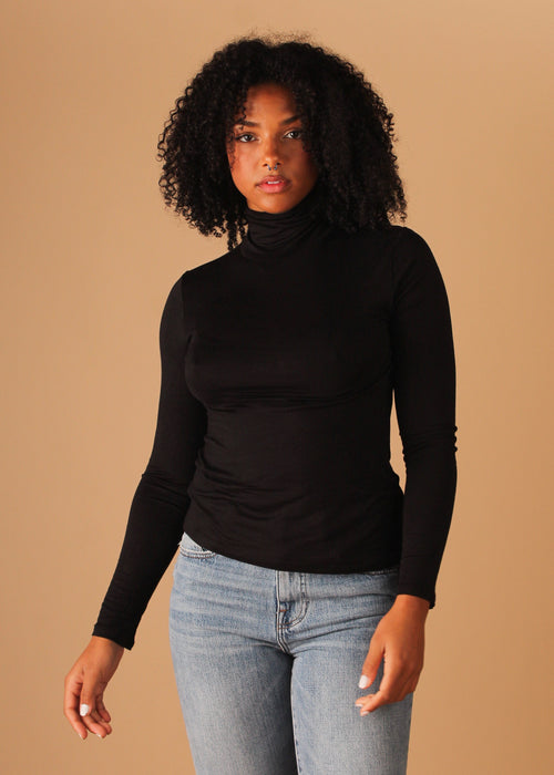 Sleek Turtle Neck - Black