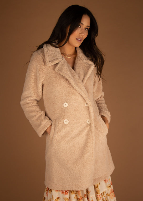 The Cozy Sherpa Coat Pearl