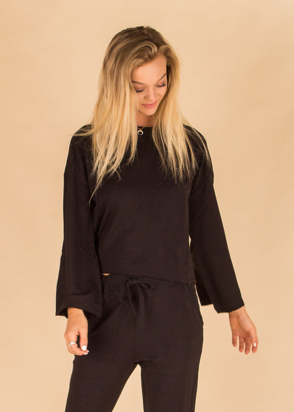 The Premium Fleece Flare Sleeve Pull Over Black