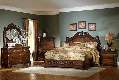 Cherry Cromwell Classic Cal King Bedroom Set
