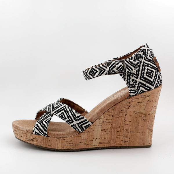 TOMS BLACK WOVEN DIAMOND STRAPPY WEDGE