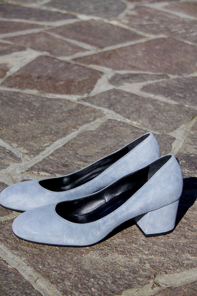 Handmade in Italy Light blue suede shoes Block heel pumps by Portamento