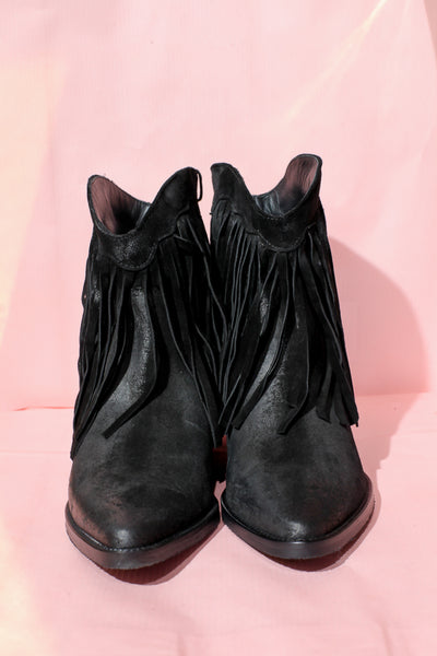 Gery Black Boots