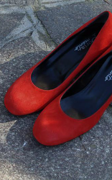 Red suede court shoes with block heel handmade in Italy by Portamento