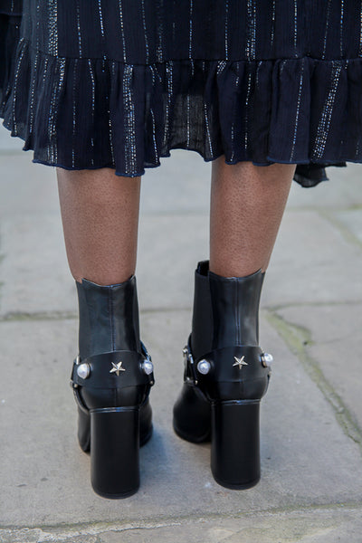 Pearl Black Boots