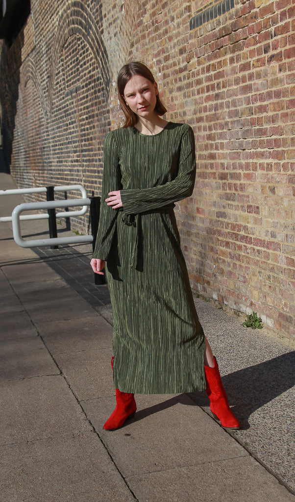 khaki maxi plisse dress another label new amsterdam