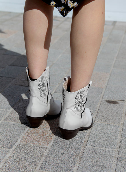 cleef white leather embroidered cowboy boots