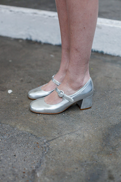 ALEXA SILVER PUMPS