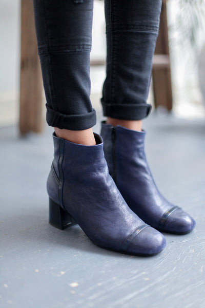 DOLLY BLUE ANKLE BOOTS
