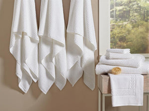 "White Bath Towels Bulk 27"" x 54"" 17 lbs/doz"