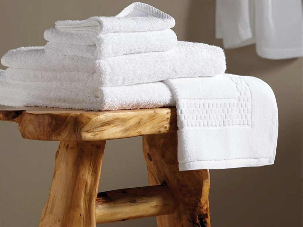"White Bath Towels Bulk  27"" x 54"" 15.25 lbs/doz"