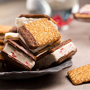 Tennis Biscuit Ice-Cream Sandwiches w/ Fresh Strawberries