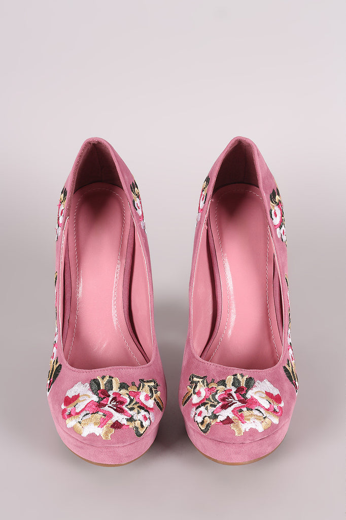Shoe Republic LA Embroidered Floral Round Toe Platform Pump - Rich Girl's Closet - 3