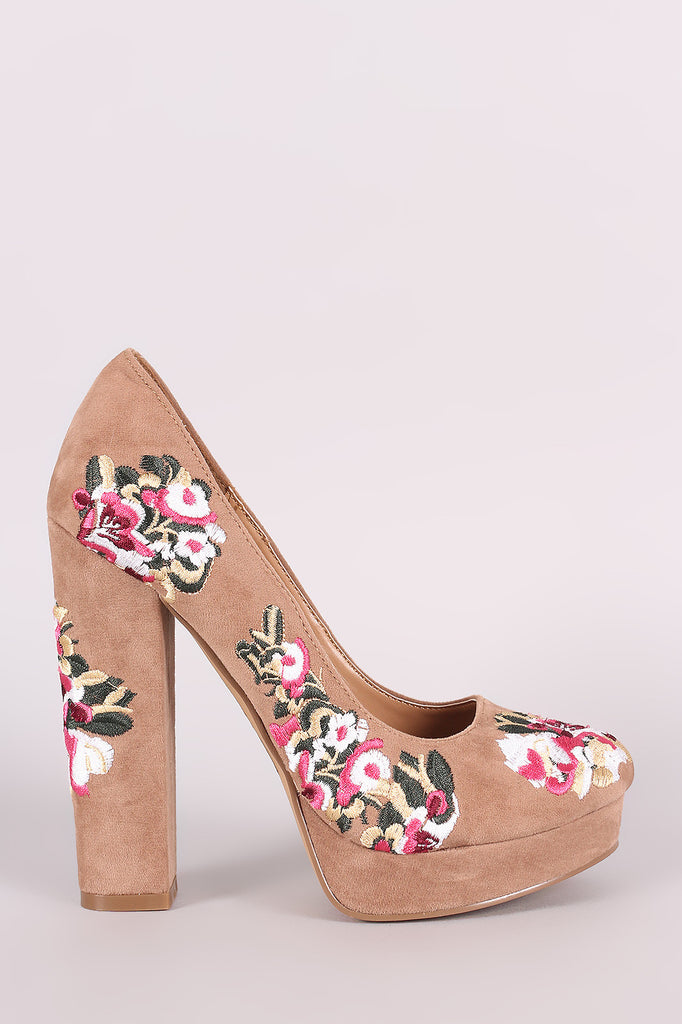 Shoe Republic LA Embroidered Floral Round Toe Platform Pump - Rich Girl's Closet - 6