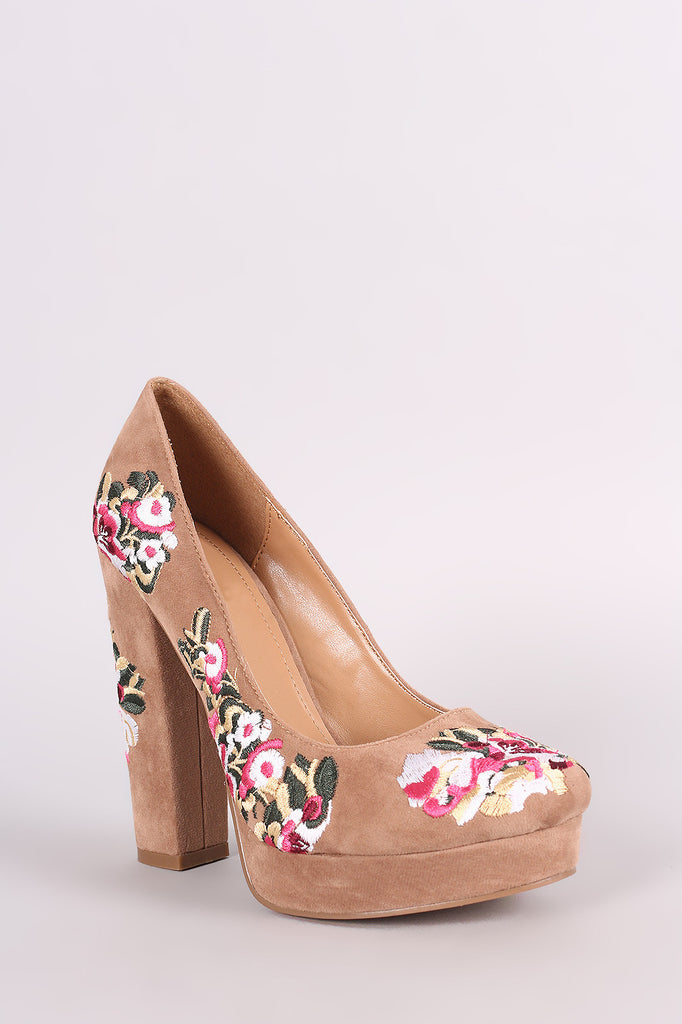 Shoe Republic LA Embroidered Floral Round Toe Platform Pump - Rich Girl's Closet - 10