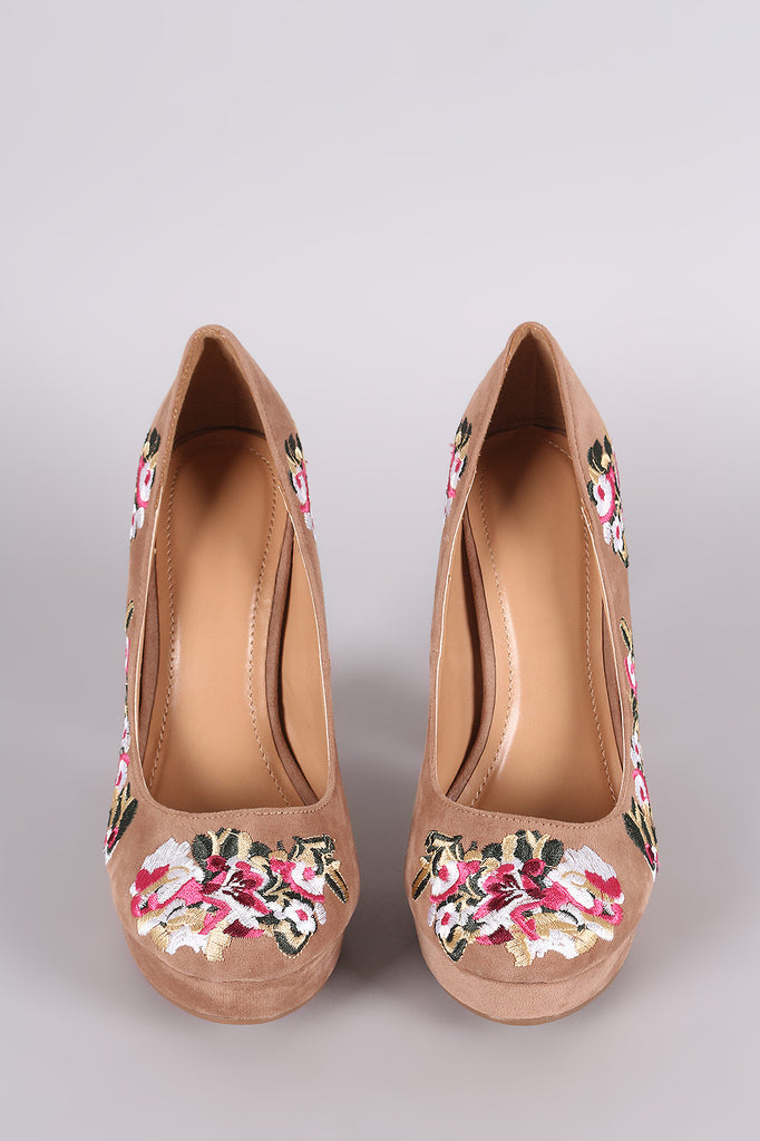 Shoe Republic LA Embroidered Floral Round Toe Platform Pump - Rich Girl's Closet - 11