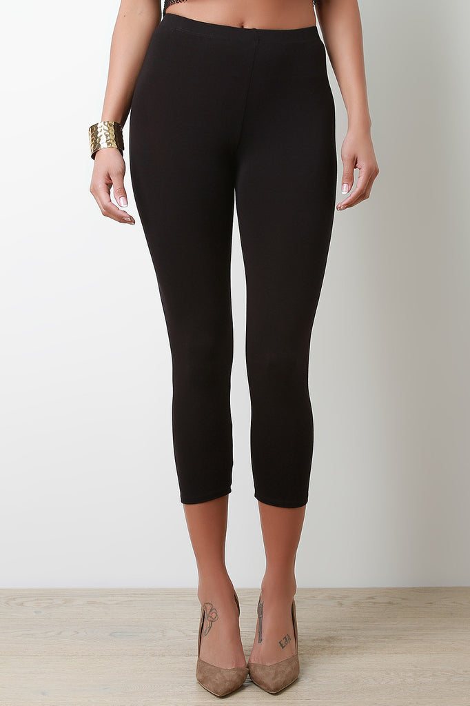 High Waisted Lightweight Capri Leggings