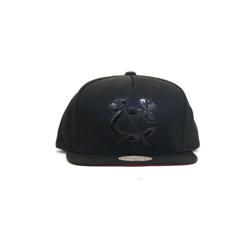 Chicago Black Hawks Tonal Texture French Terry Snapback Hat - Black