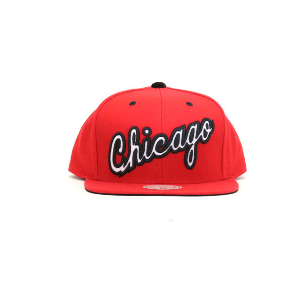 Chicago Bulls Solid Velour Logo Snapback Hat - Red
