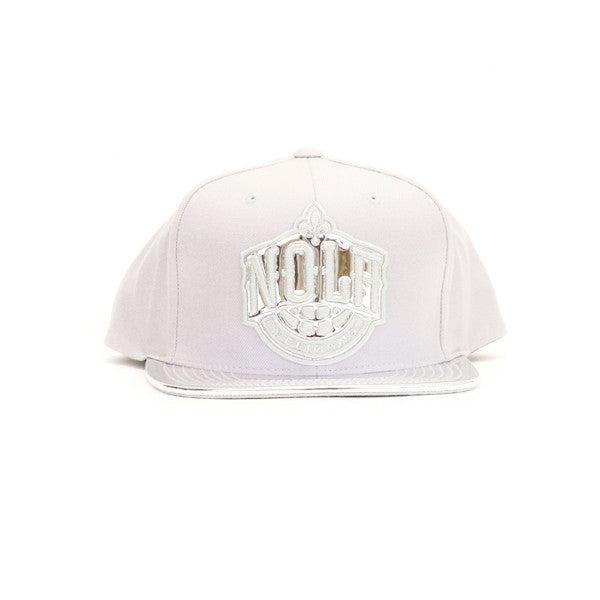 New Orleans Pelicans Metallic Foil Snapback Hat - Silver