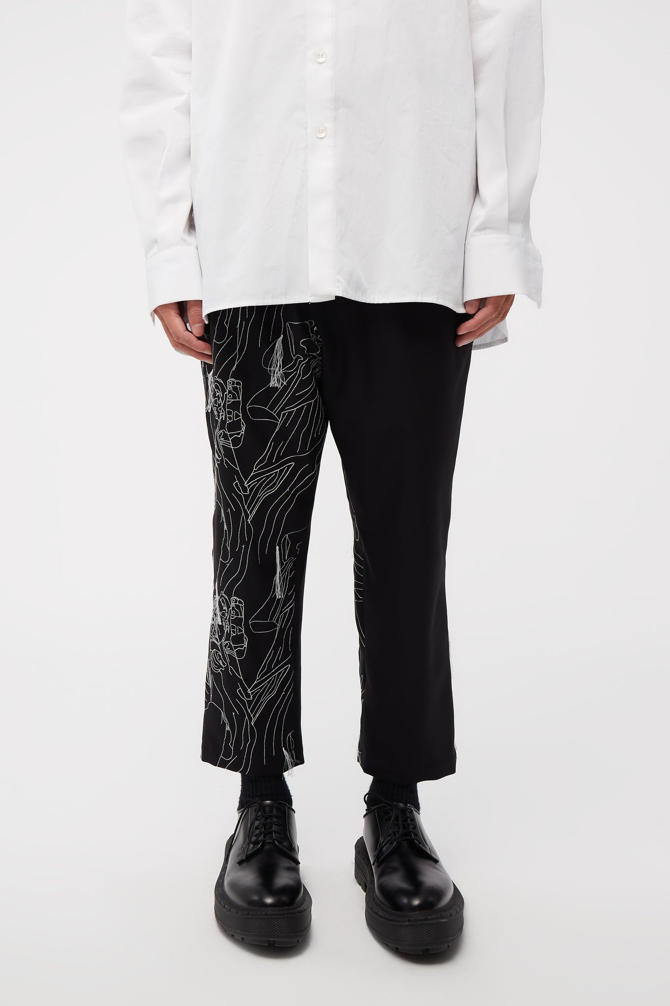 Mich Cropped Trouser Dry Onyx W/ white embroidery logo
