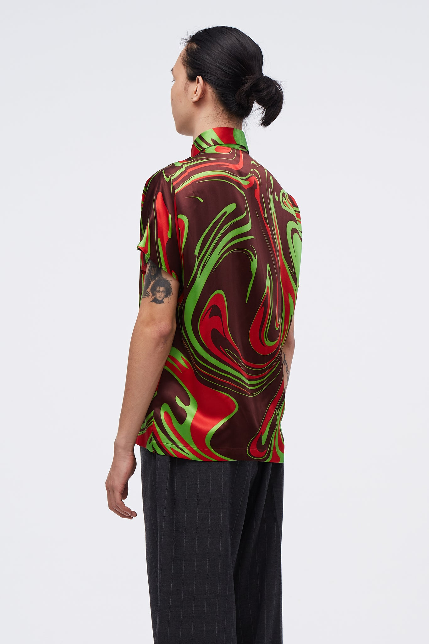 Aniki Muscle Sleeve Shirt Looney Tunes Swirl Pattern