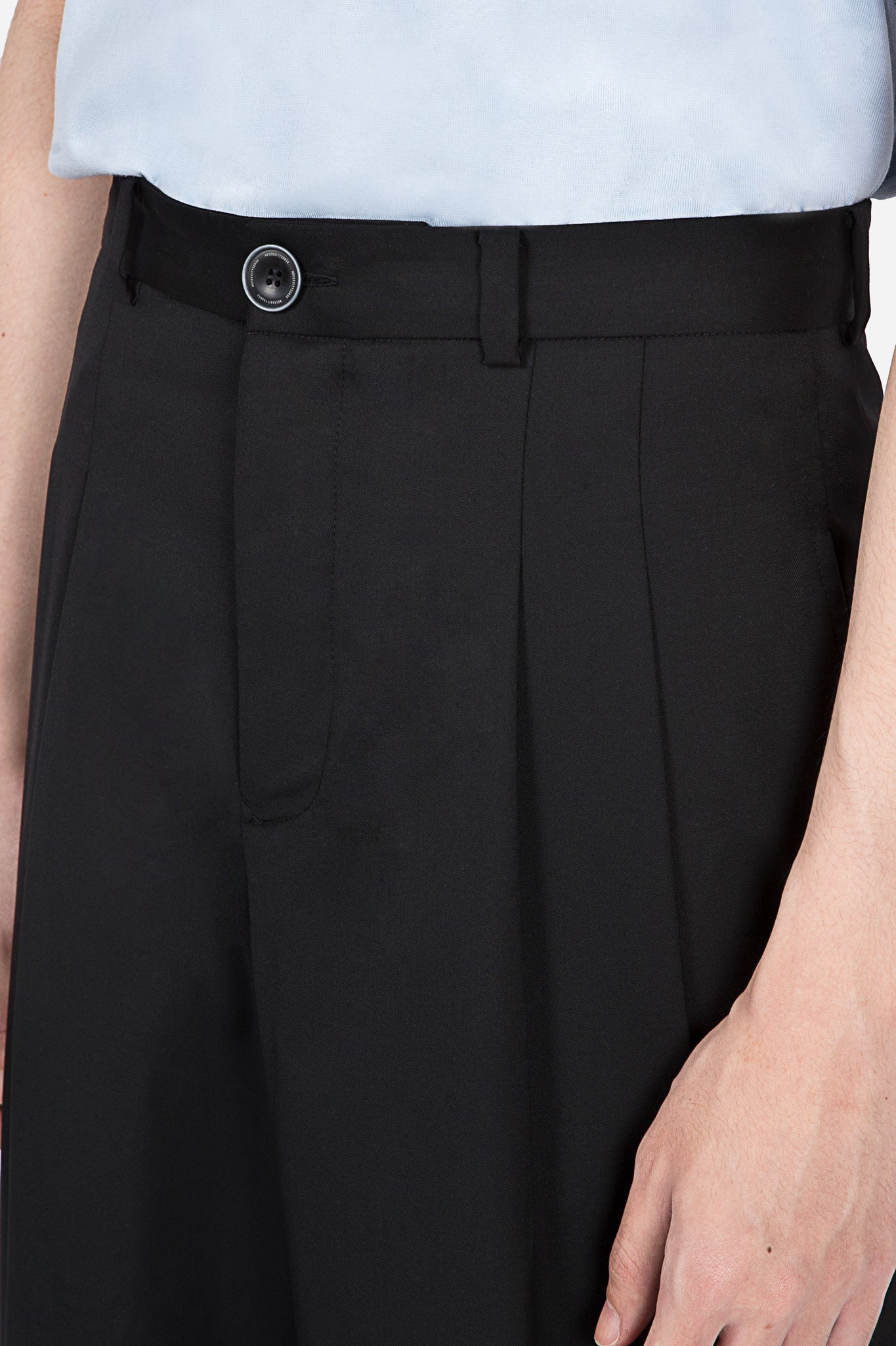 Sail Pleated Cropped Trouser Dry Onyx + Dry Onyx Embrodiery