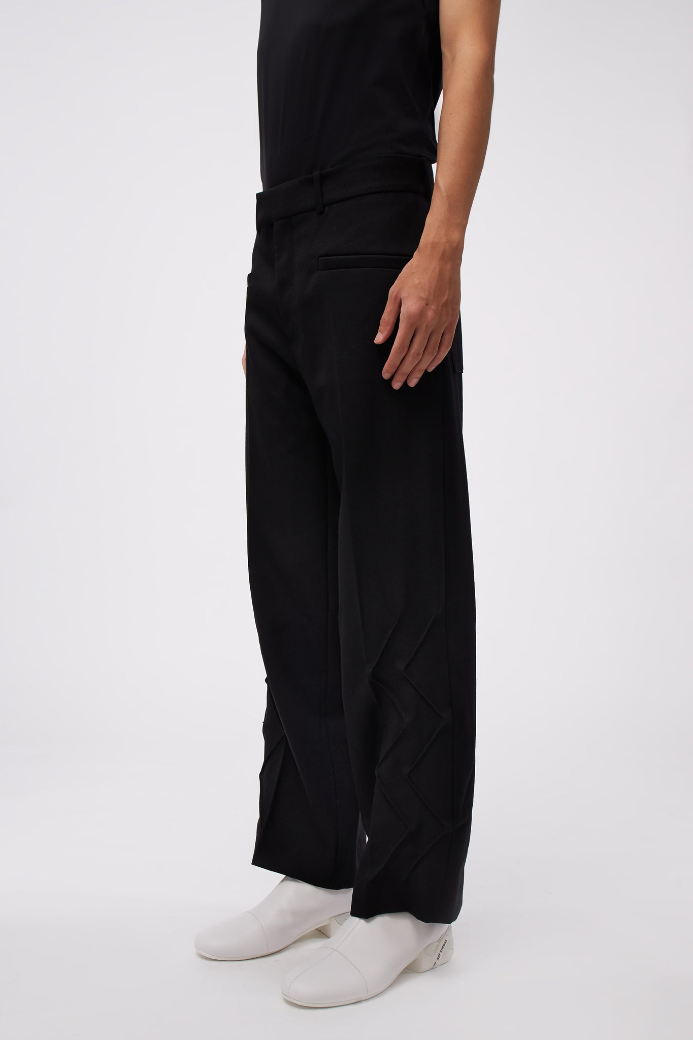 Thorwaldzigzag Trousers Black