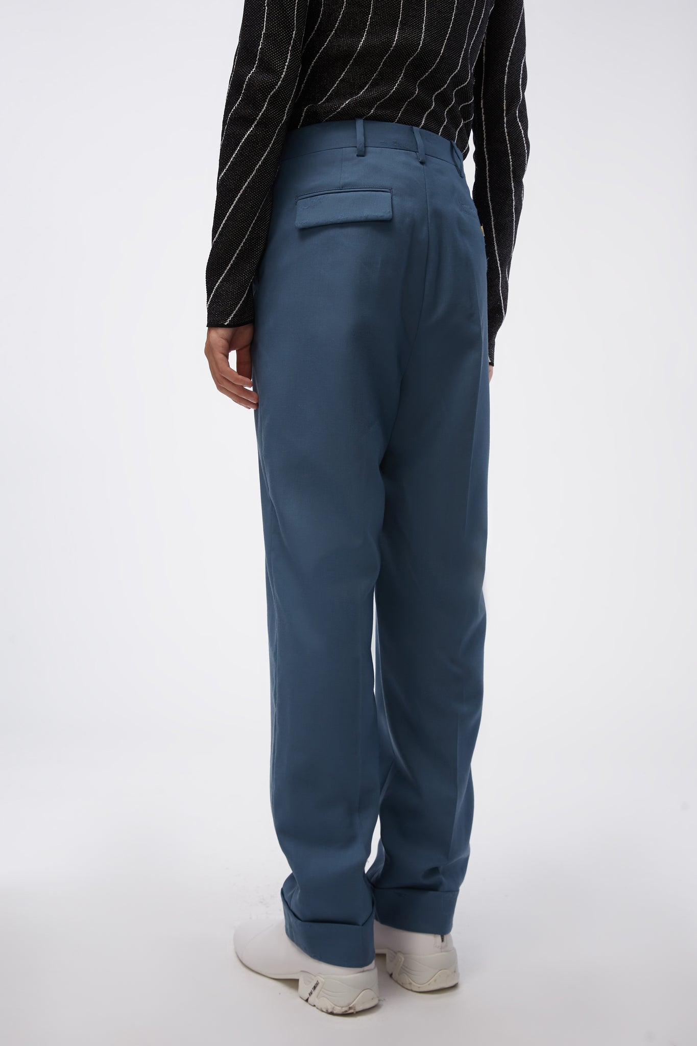 Front Pleat Detail Cropped Trousers Blue