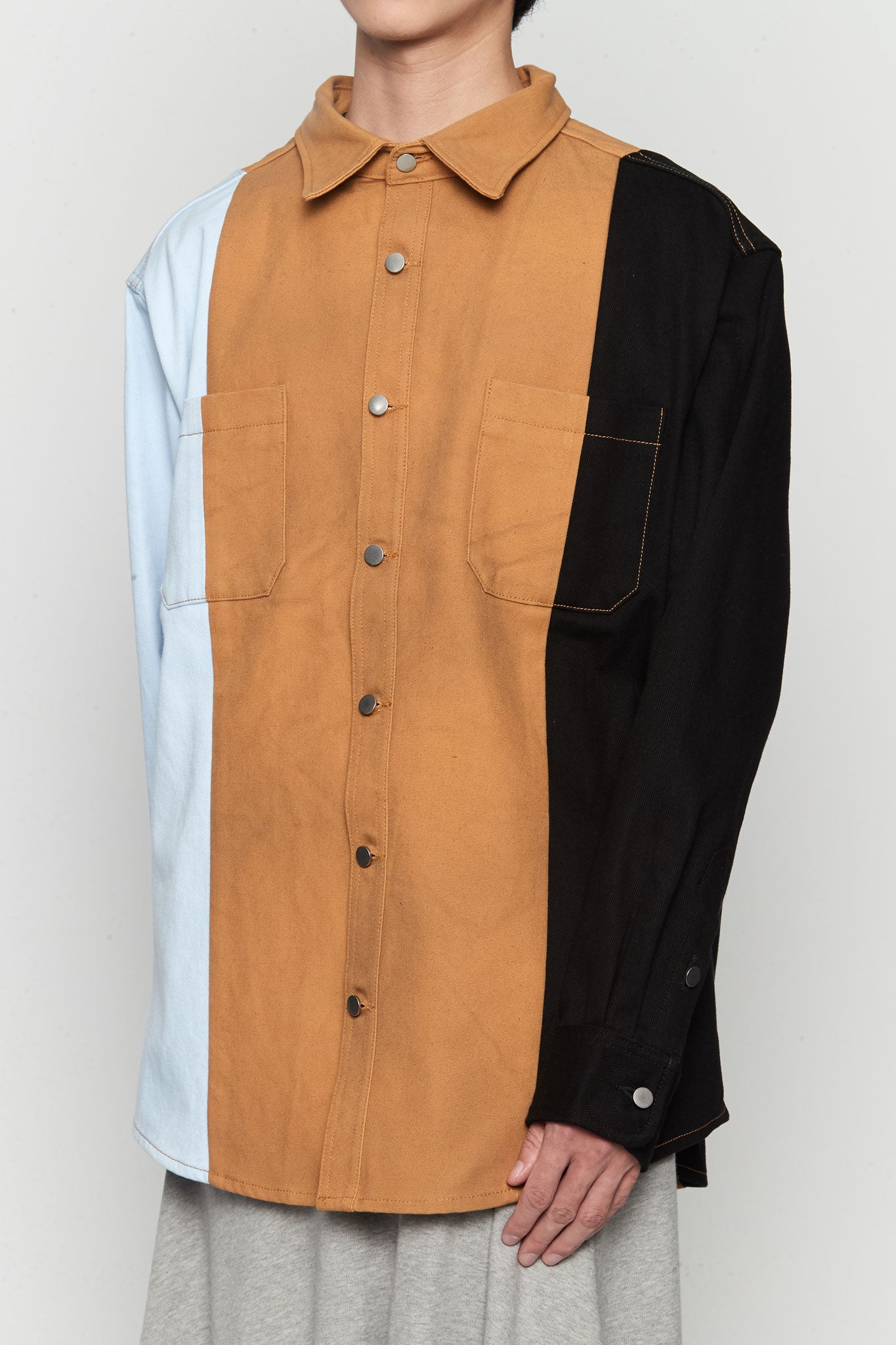 Color Blocked Workwear Shirt Blue / Black / Camel