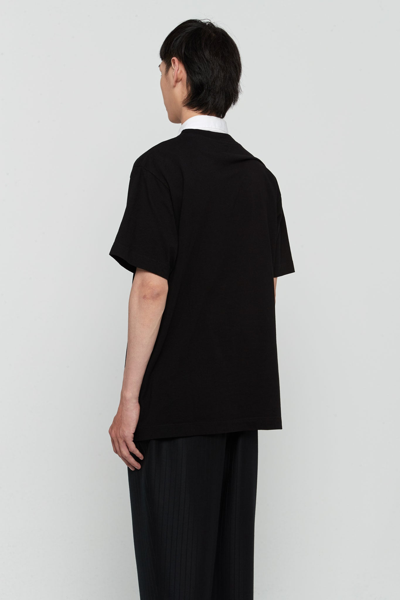 SS19 Tee Black W/ Red
