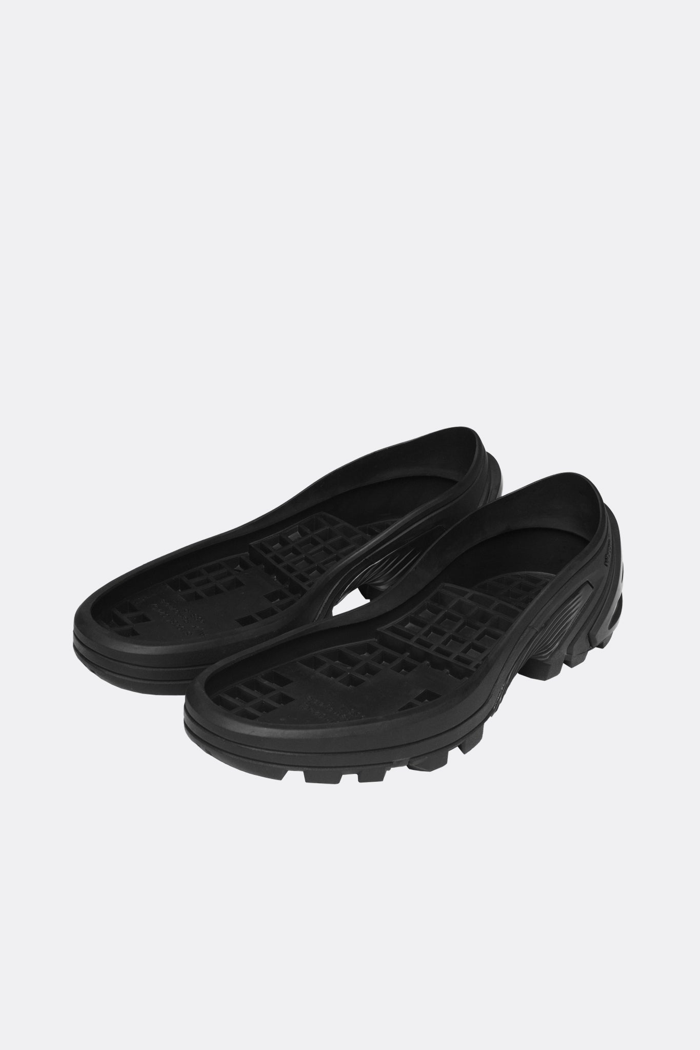 Lace Up Low Sneaker+Removable Vibram Sole BLACK