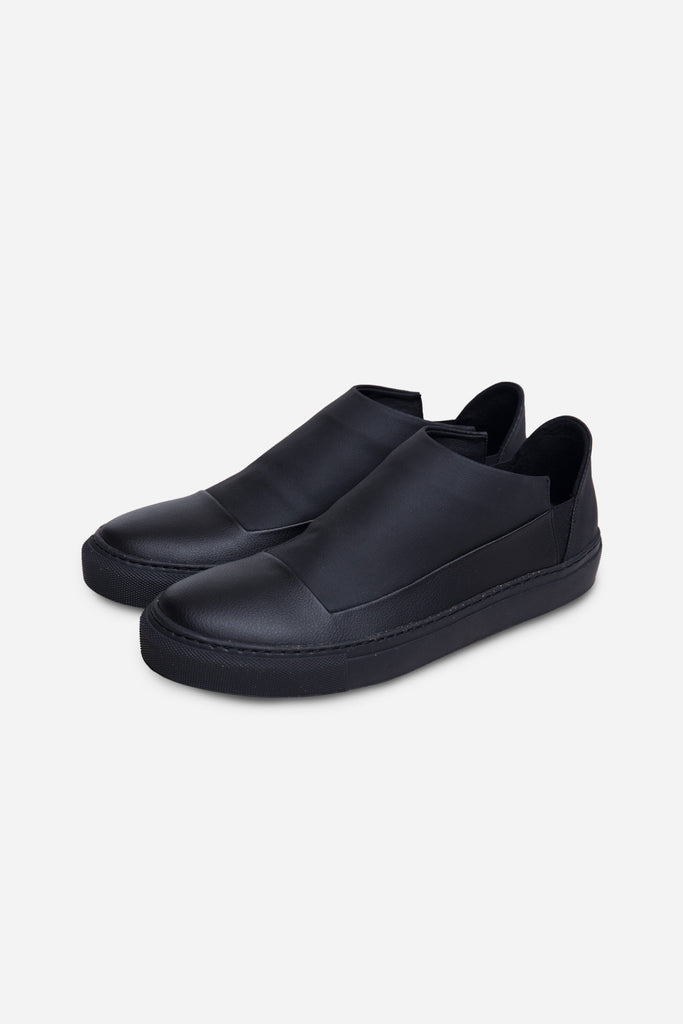 ESA II Slip On Black