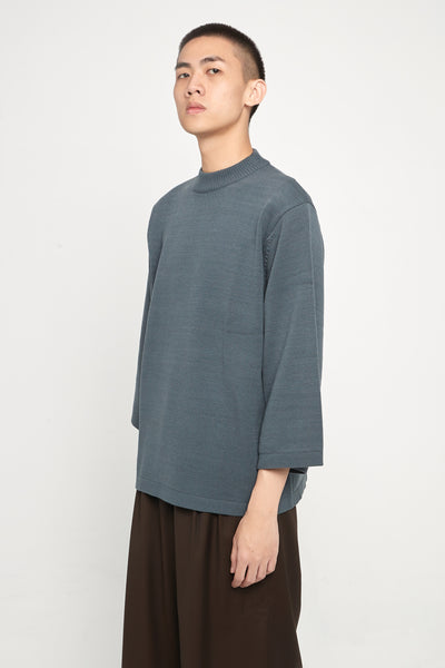 Closed Window - Coli Quarter Sleeve Crew Glacier Blue