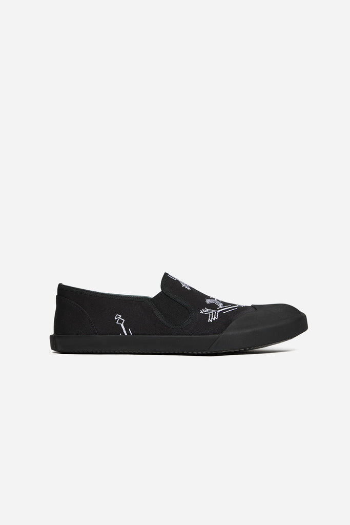 Slip On Embroideried Canvas Black