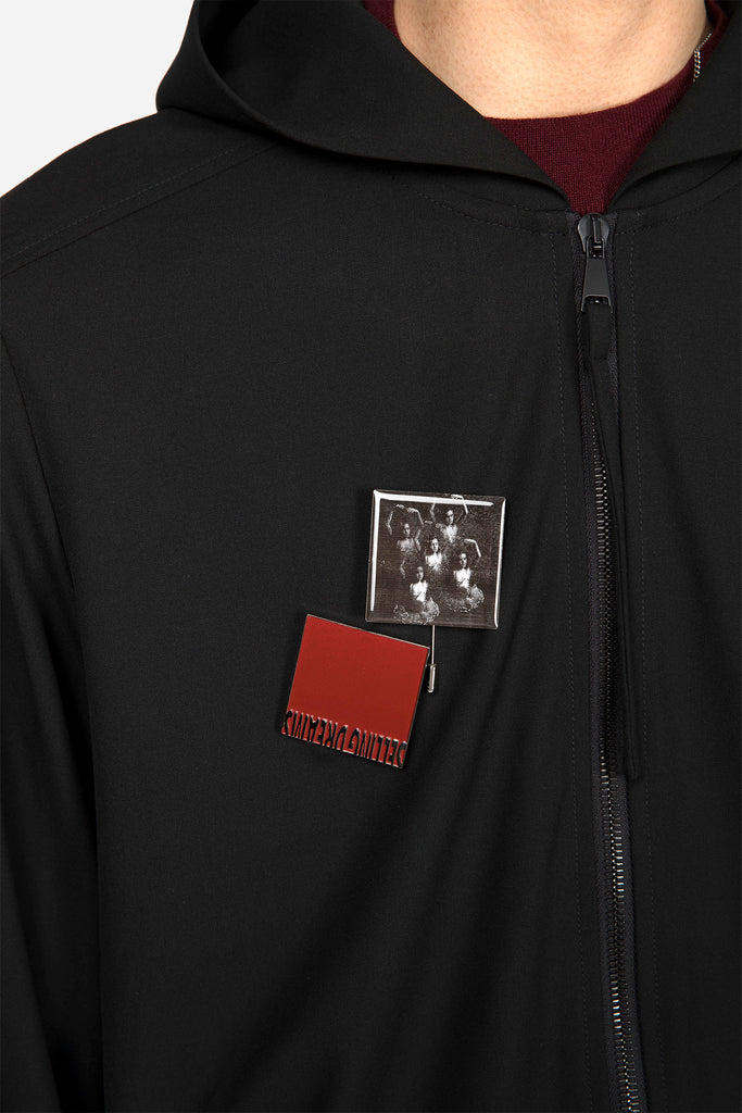 Dave Zip Pullover Black Suitung + Black Knit with Red Logo