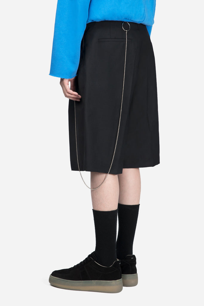 Double Pleat Shorts Key Chain Black