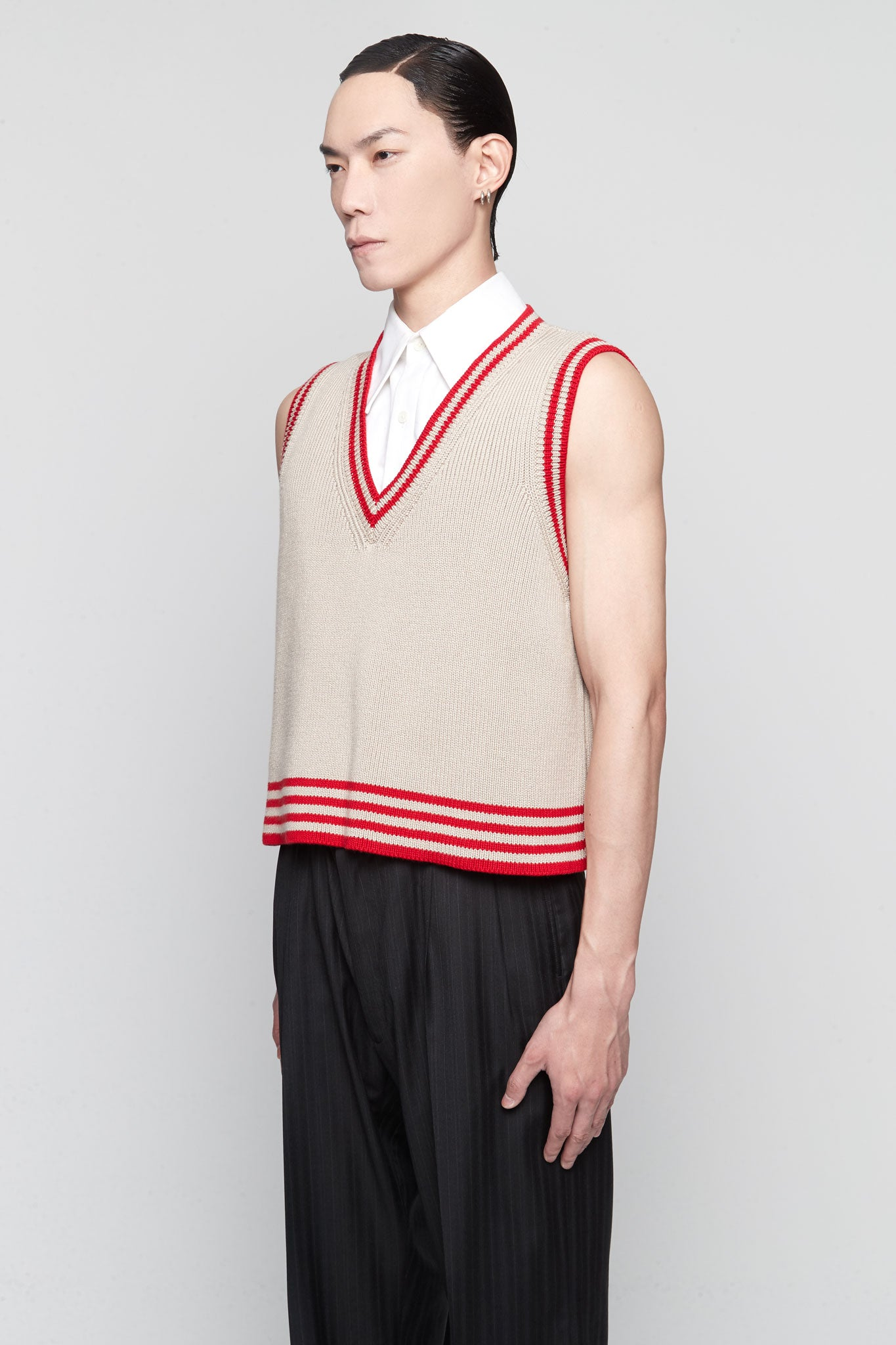 Sleeveless Knit Vest Beige + Stripes Red