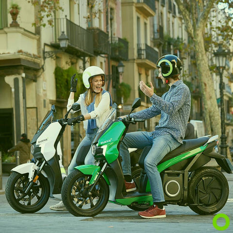 scooter electrique silence s01 casque