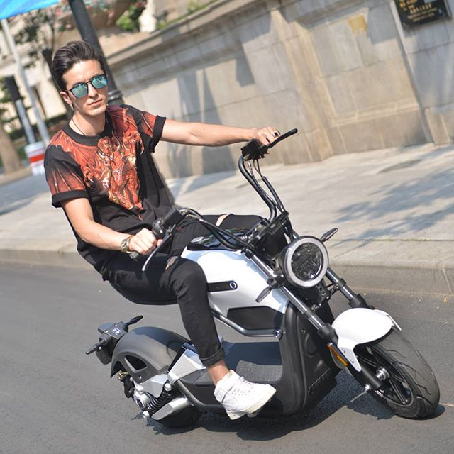 scooter electrique sunra miku max homme