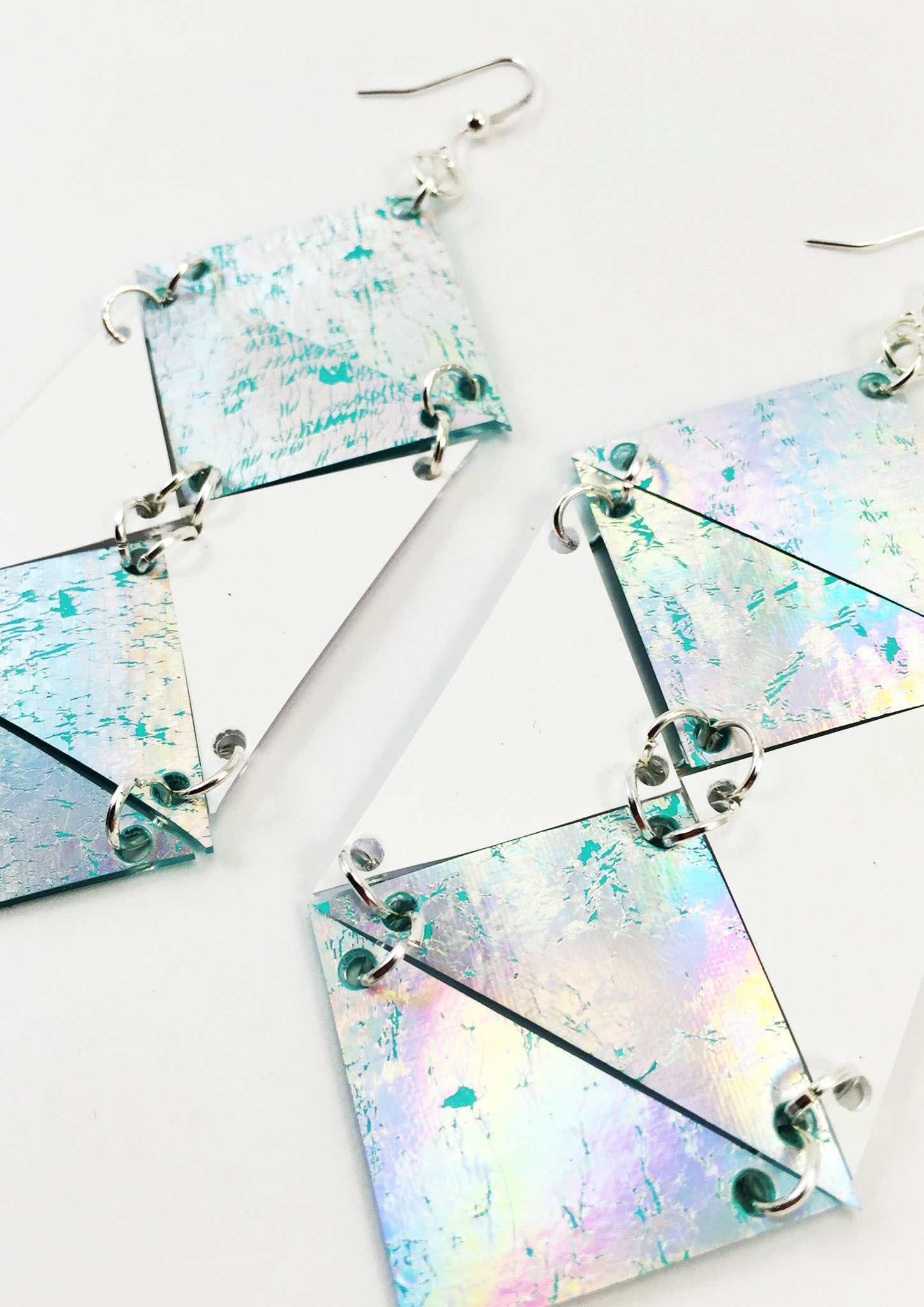 HOLOGRAPHIC CHAIN LINK EARRINGS