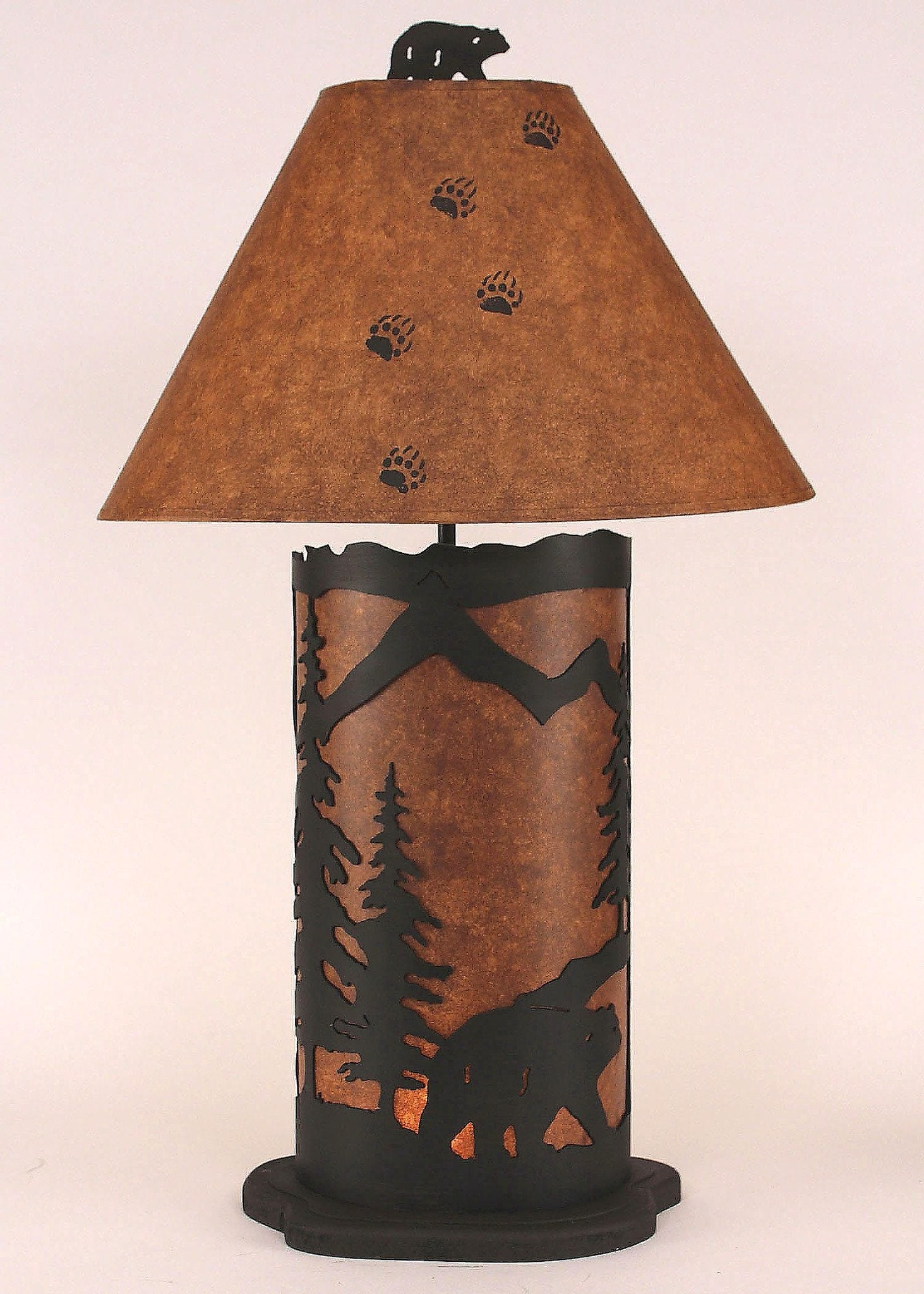 Large Bear Scene Table Lamp in Rustic Brown Finish